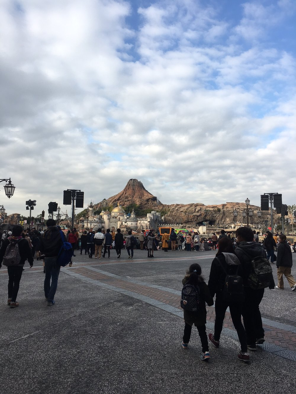 DisneySea-Schuyler-Croy-Volcano.JPG