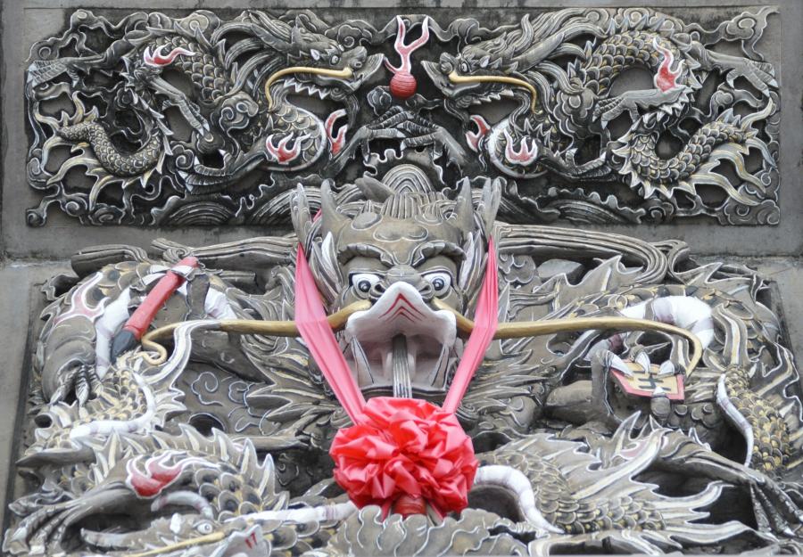 taiwan-temple-guardian.jpg