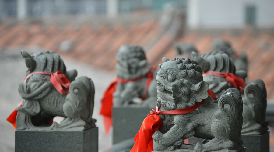 temple-guards-kaohsiung.jpg