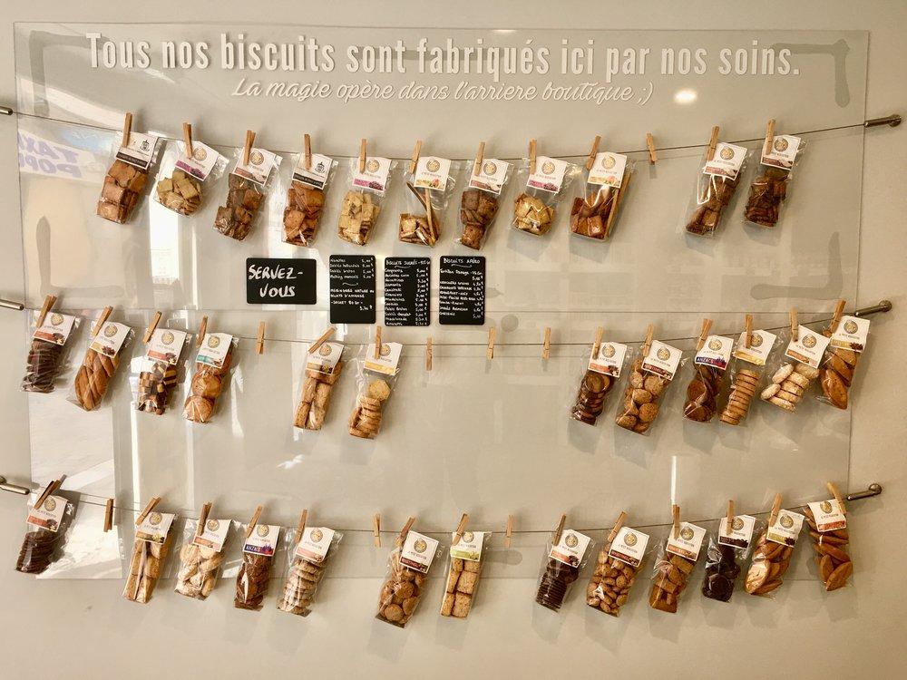 Le Petit Biscuitier 8, Rue Pierre-Semard - photo mouche cousue