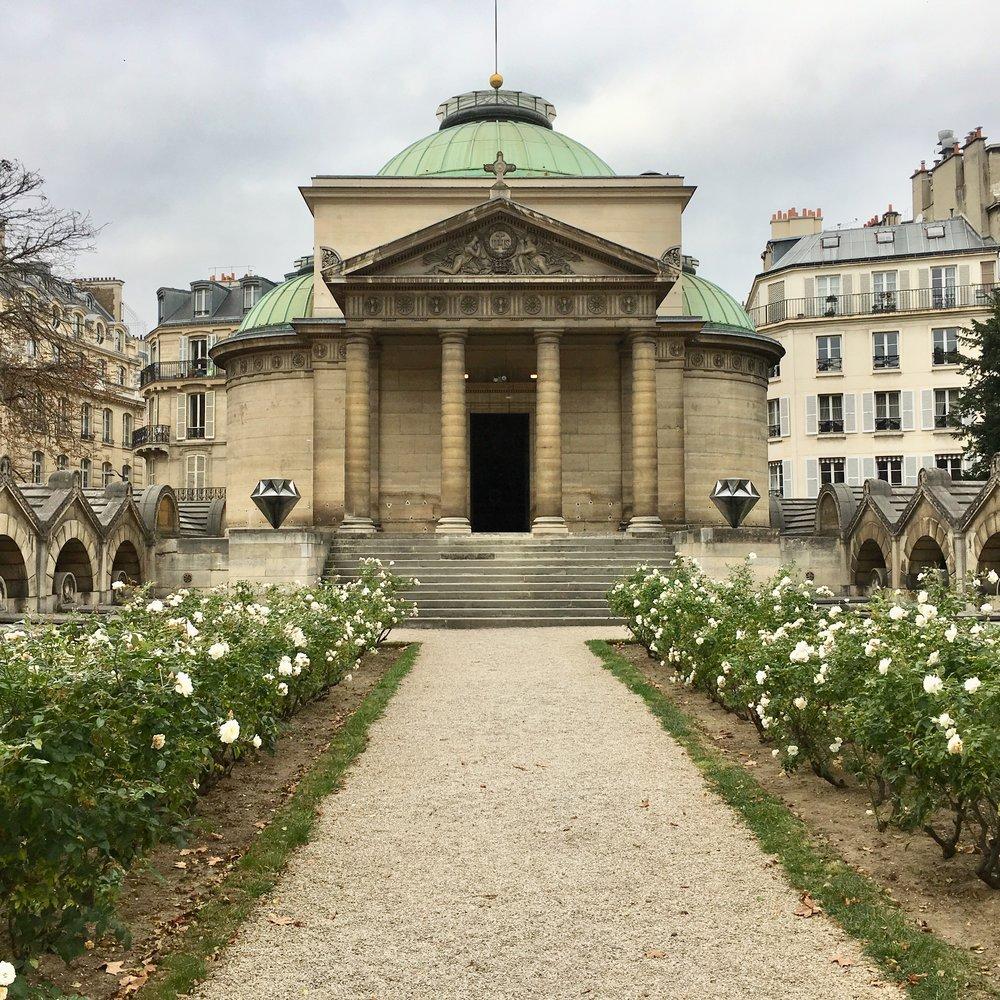 photo mouche cousue - chapelle expiatoire - oeuvres Le Diamantaire