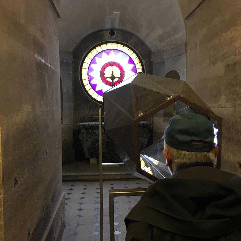 photo mouche cousue - oeuvre le Diamantaire - chapelle expiatoire