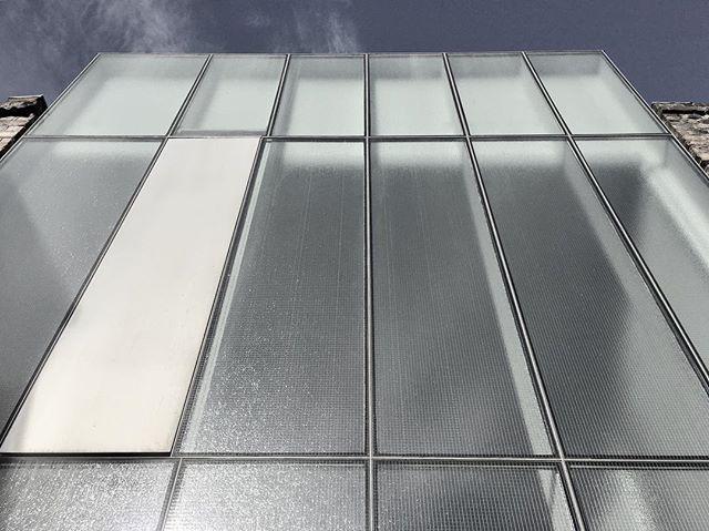 Twofold House. Today.  #pastproject #vossstreet #bethnalgreen #architecture #design #construction #newbuild #designandbuild #urbanarchitecture #modernhouse #minimalism #cassioncastlearchitects #cassioncastleconstruction #cassioncastle