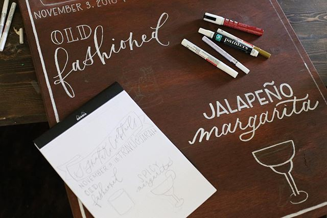 Behind the scenes of what the process for your day of signage looks like... Minus all the junk on my desk that I pushed out of the frame 😆😂 • • • • • •  #leycolettering #calligraphy #handlettering #lettering #script #brause66ef #drphmartin #dallas #texas #wedding #engaged #engagement #photography #canon #ido #dallaswedding #weddinginvitation #diy #craft #thatsdarling #obliquepen #moderncalligraphy #signaturecocktails #oldfashioned #margarita