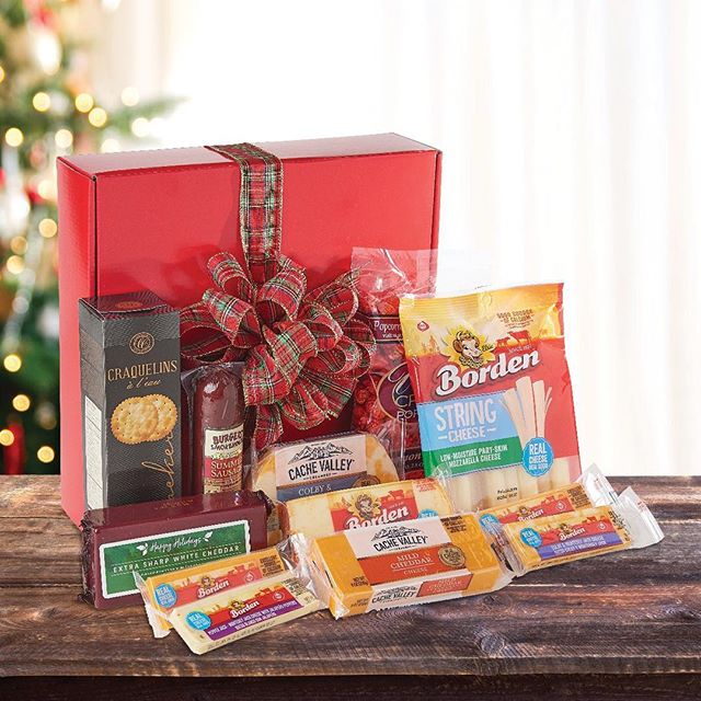 Give the gift of dairy goodness this holiday season. #DFAmilk To ensure delivery by Christmas, order your holiday cheese baskets by Friday, December 14. Click the link in our bio or call 816-508-8826 from 10 a.m.–5 p.m. CST.