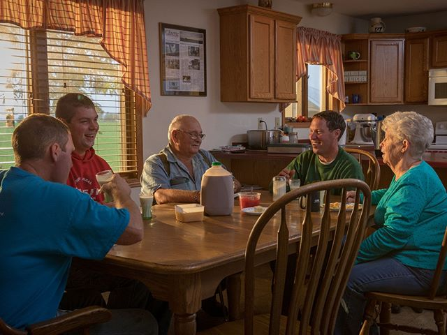 Whether you're gathered around the table with family or grabbing breakfast on-the-go, a serving of dairy can provide you with enough wholesome protein to help you get through your morning. What's your #BreakfastMustHave? ••• #DFAmilk 📸 This DFA farmer-owner family, the Templetons of Templeton Farms, milk 150 cows three times a day on their family ran farm in Evansville, Wis., and enjoy when they can gather around the table to enjoy a dairy-delicious breakfast. Read more about this family in the Winter issue of Half & Half, @handhmag.