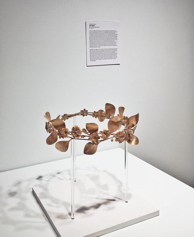 """ Dignidad ""  crown | bronze"