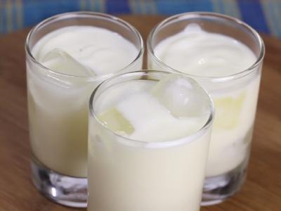 Make-Sweet-Yogurt-Drink-(Sweet-Lassi)-Step-3-Version-2.jpg