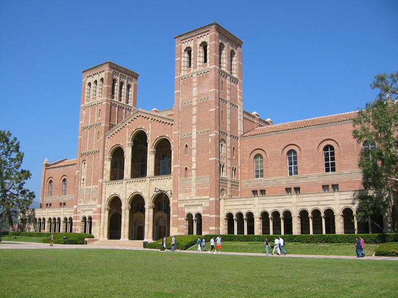 Royce_Hall,_University_of_California,_Los_Angeles_(23-09-2003).jpg