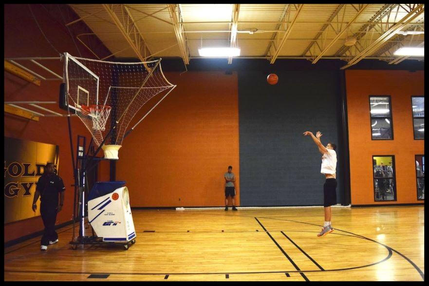 basketball shooting machine for shooting workouts.JPG