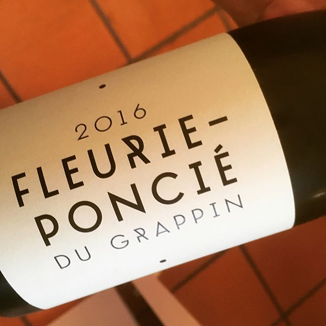 Two wonderful bottles to top up a wonderful weekend in Hull (of all places). #wine #wineporn #fleurie #beaujolais #cremantdujura #vinjaune