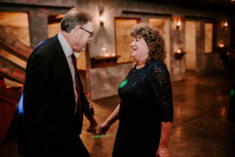 overlook barn wedding - banner elk wedding - north carolina wedding - north carolina wedding photographer