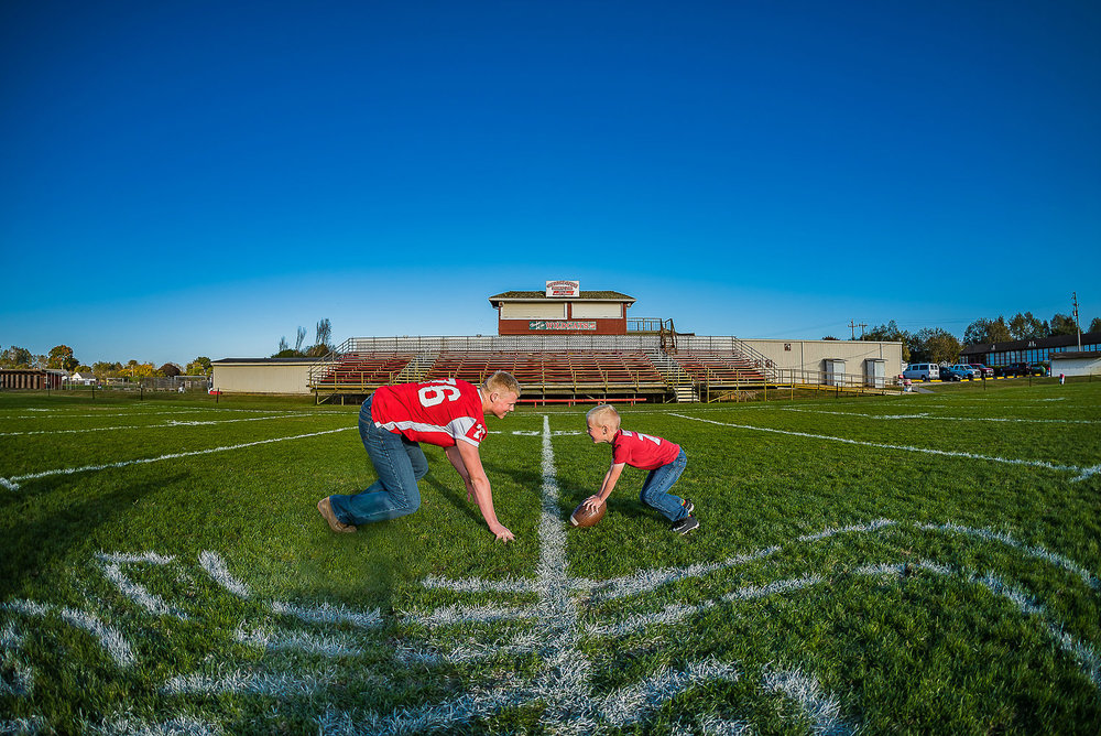 AndrewFerndaleHighSchoolFootballSeniorSessionParkysPicsPhotograhy-8.jpg