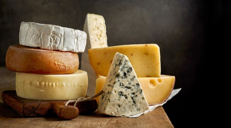 Cheese-lifts-US-dairy-exports-driven-by-emerging-markets_wrbm_large.jpg