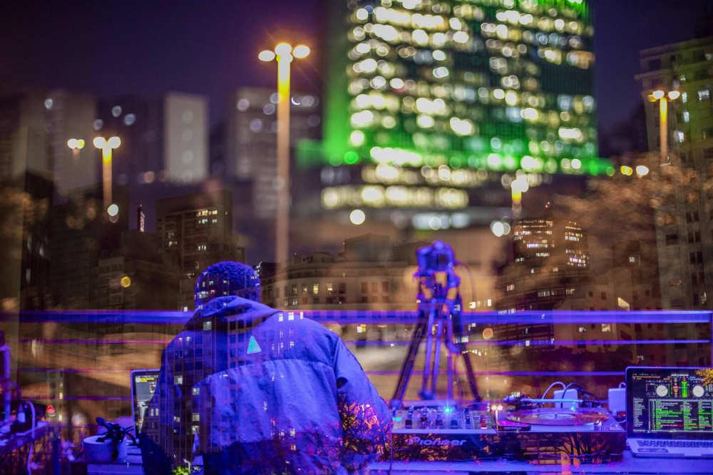 Não perca a vista do terraço do Red Bull Station