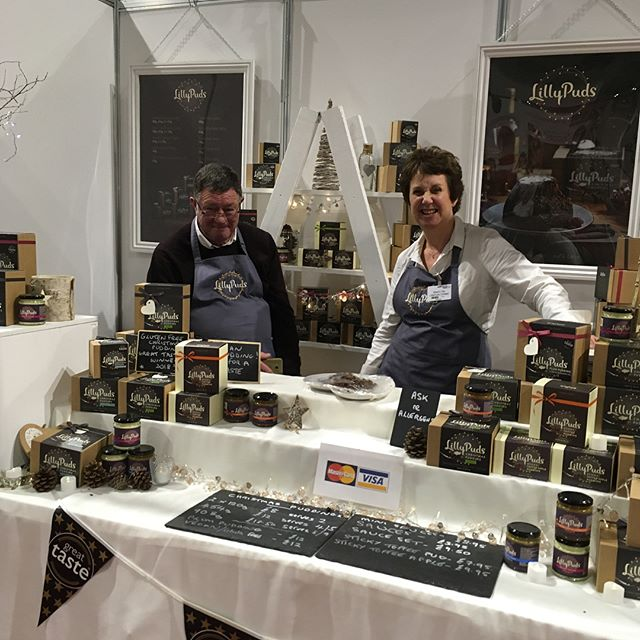 One of the fab things about the @bbcgoodfoodshow is meeting fellow producers, here are some of our new friends @lillypudsltd @wonderfoodfromthedeep @thesweetbeetuk ➡️ check this lady out on The Dragons Den tomorrow night!! ⬅️ and @miod.co yum 😋