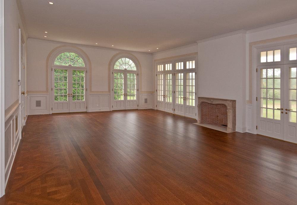 8 - Living room.jpg
