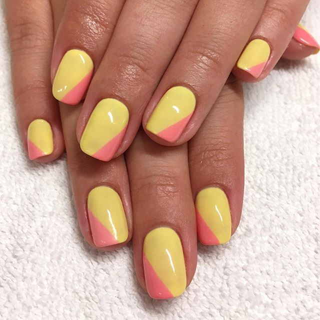 Our Signature Gel Manicure includes our Lollipop Promise, 7 day guarantee from chips, lifts or discoloration! If needed, call ahead so our manicurists have time allotted for your touch-up! . . . #lollipopnailstudio #nailartoohlala #nailartaddicts #naildesigns #nailsofinstagram #nailsaddict #nailartist #colorblocking #colorblocknails #yellownails #pinknails #nclagelous #bioseaweedgel #simplenailart #minimalisticnails #minimalnailart #organicnailsalon #naturalnails#naturalnailsalon #costamesa #orangecounty #oldtowneorange #chapmanuniversity