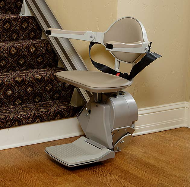 Bruno-Elan-bottom-of-stairs-stairlift.jpg