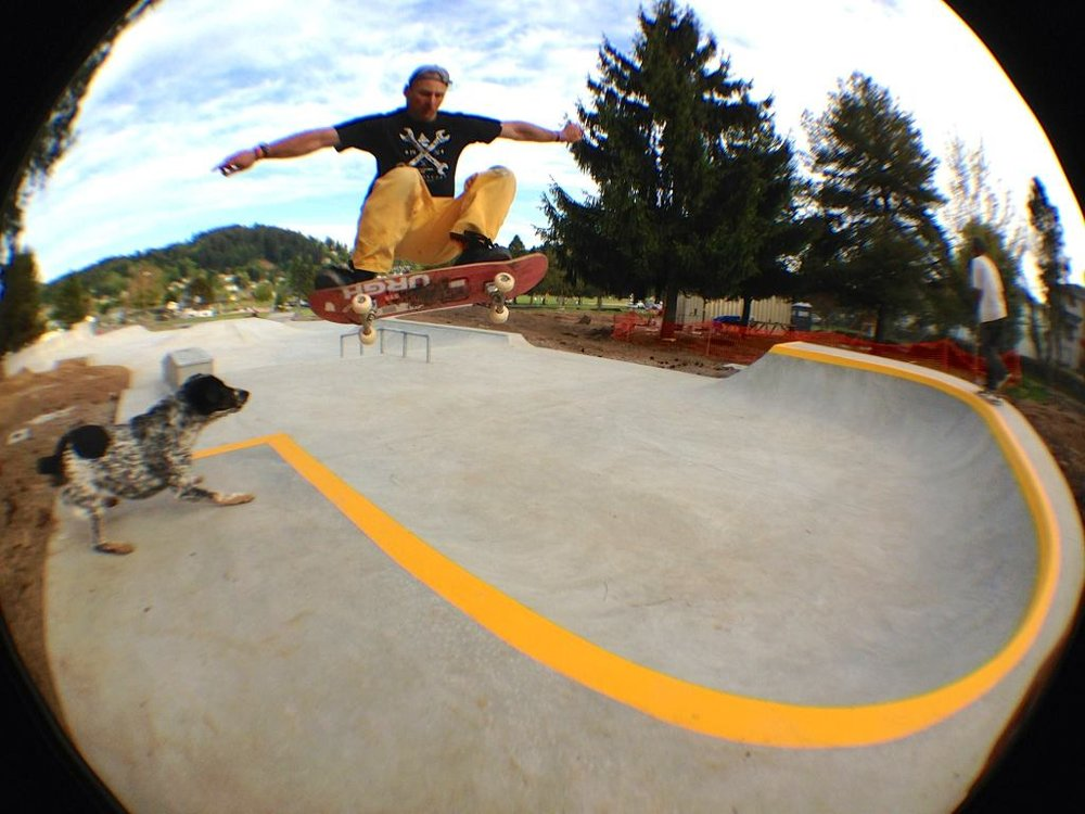 Geth Noble blasting the Happy Valley, Oregon skatepark