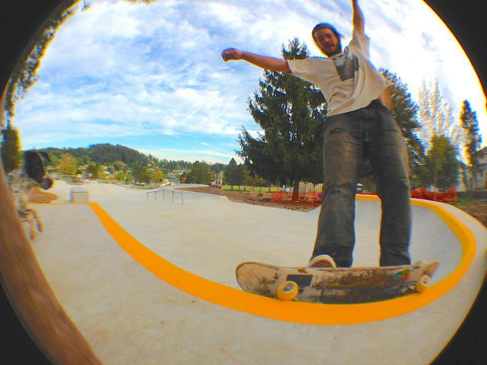 Jasper Kahn skating the Happy Valley park