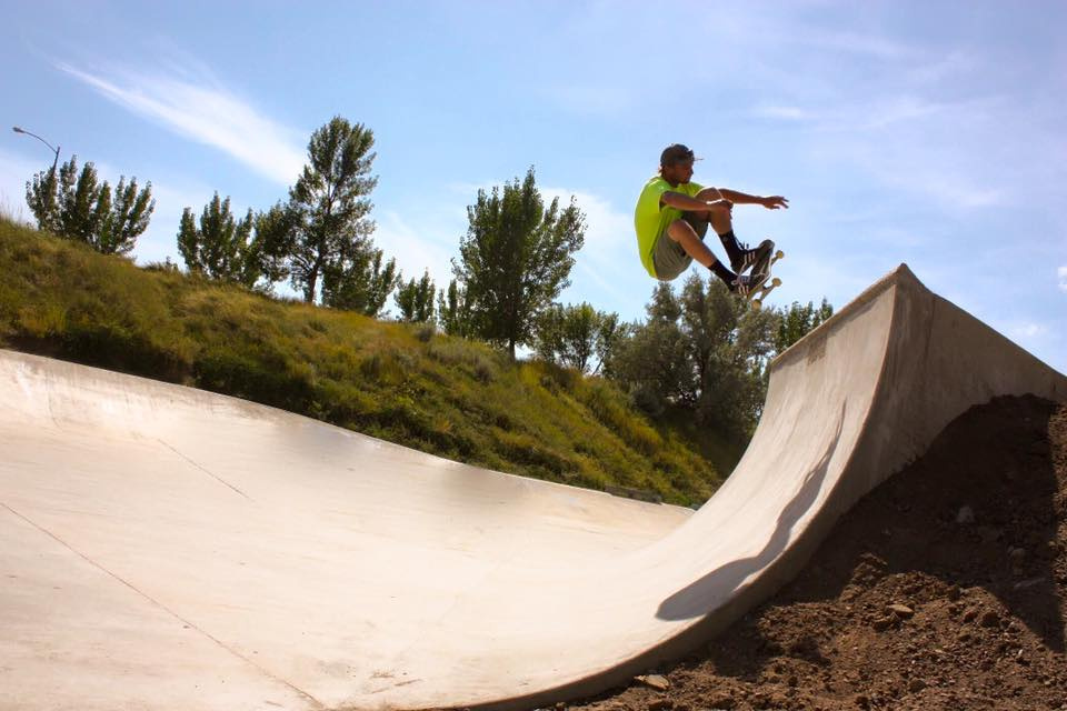 Richie Conklin air at the Havre, Montana Skatepark