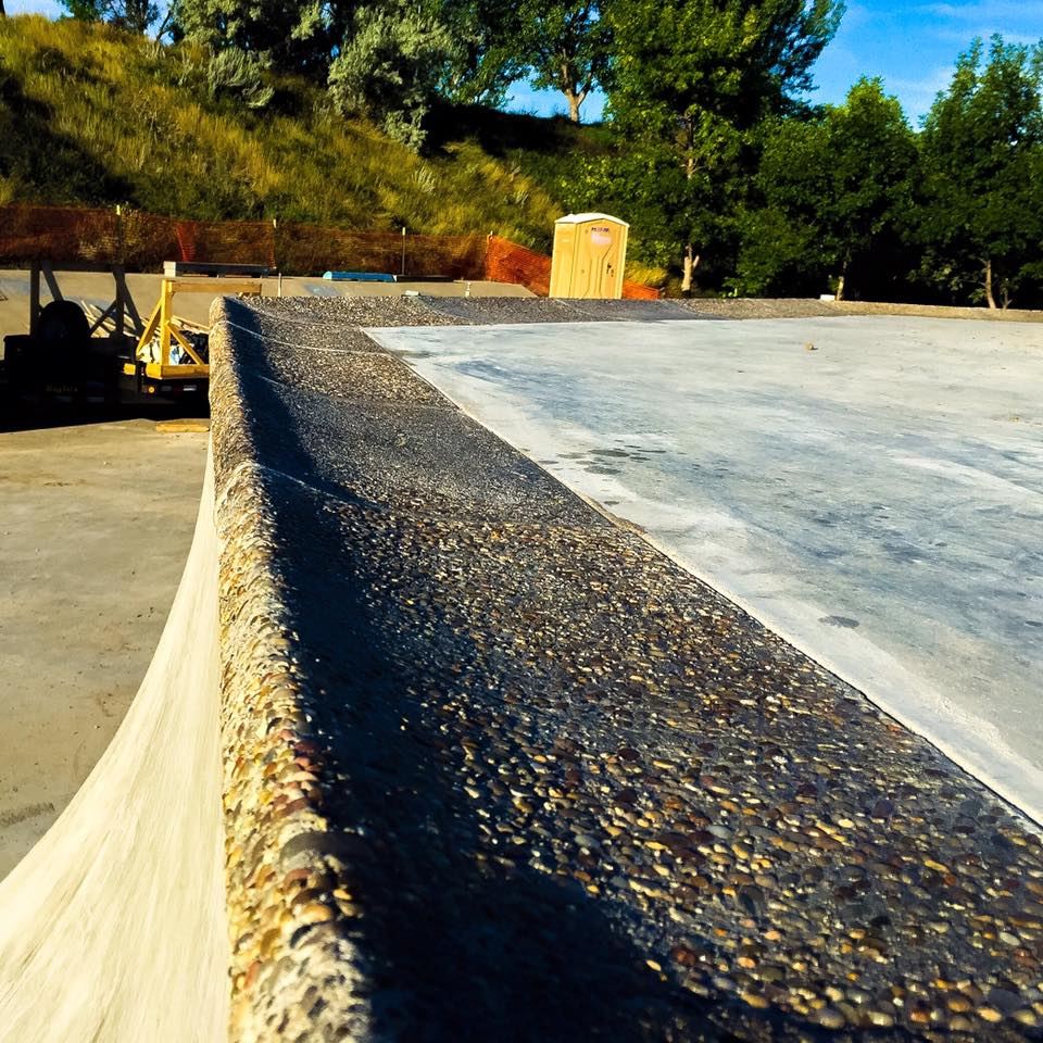 Exposed aggregate coping