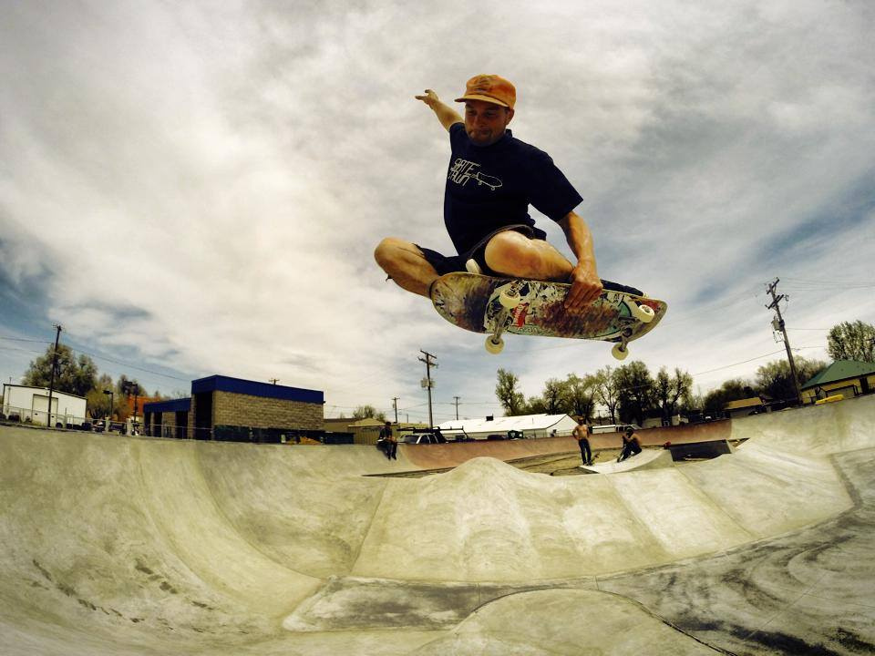 Billy Coulon tuck knee at the Milliken, Colorado Skatepark
