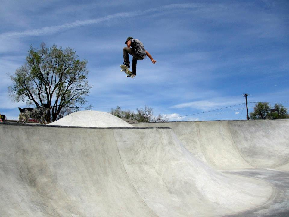 Richie Conklin flying at the Milliken, Colorado Skatepark