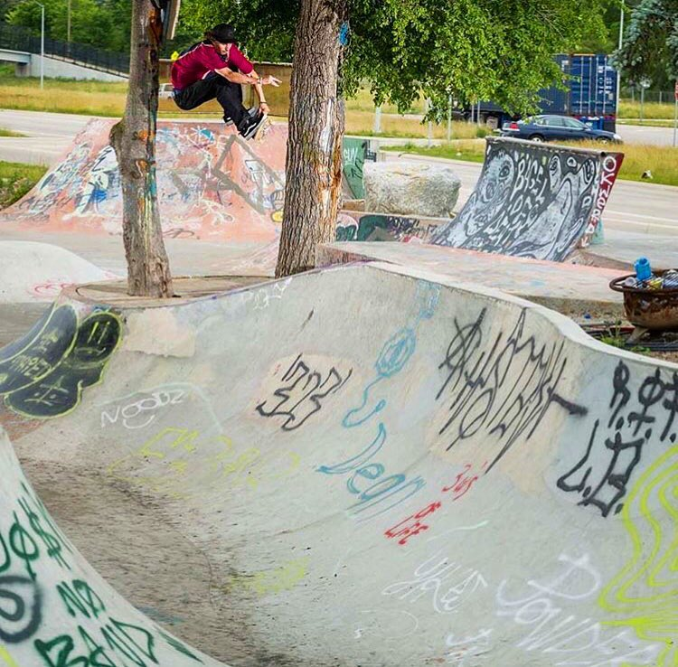 Kyle Walker threads the needle at Ride It Sculpture Park in Detroit. Photo by Joe Brook.