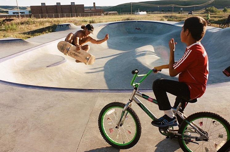 Austen Sweetin air time at the Hays, Montana Skatepark ⚡️