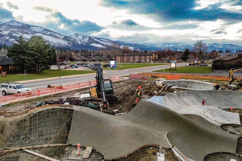 Hamilton, Montana 🏔 flowing along.