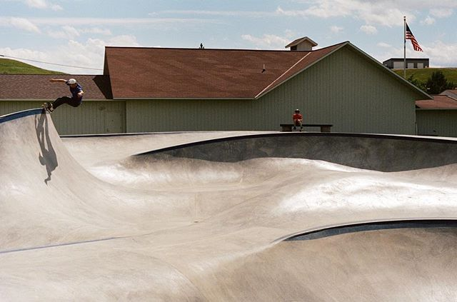 Lewistown, Montana- one of the best waves 🌊 & one of our favorite #skateparks 📸 @tokabonga from last summer 💯 #lewistownskatepark #montanaskateparks One of a kind Skatepark brought to you by #montanapoolservice & @mihmontana @jaystephens9
