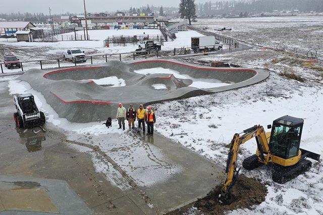 The Darby, Montana skatepark is getting an addition courtesy of @mtskateparkassociation 🙌🏽 a little snow won't stop us. #darbyskatepark #montanaskateparks #montanapoolservice #bitterrootvalley