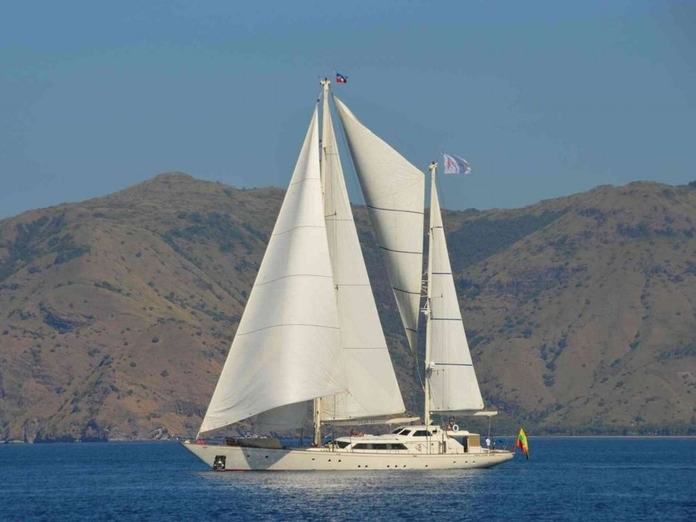 UY_yachts_profile_La Numero Uno.jpg
