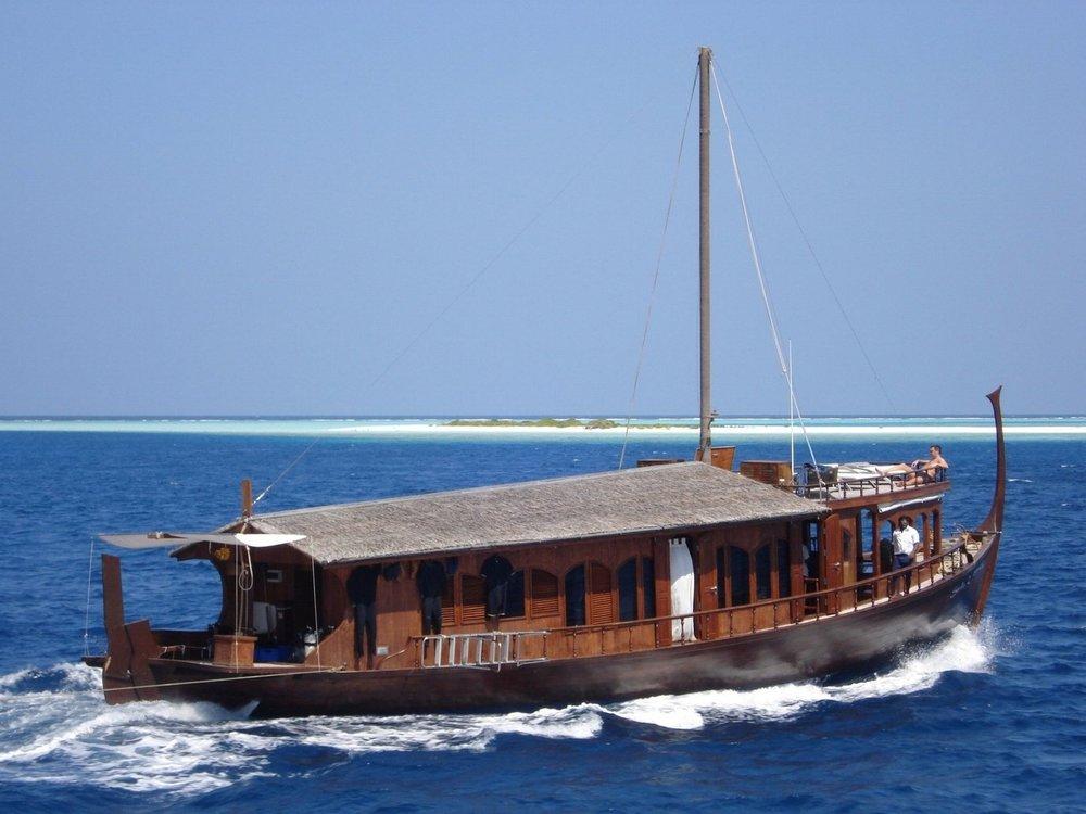 UY_yachts_profile_Dhoni Stella.jpg