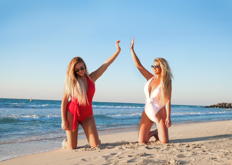 beach-beachlife-bikini-1089628.jpg