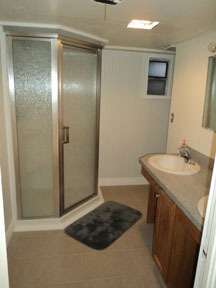 Cottage-Downstairs-Shower.jpg