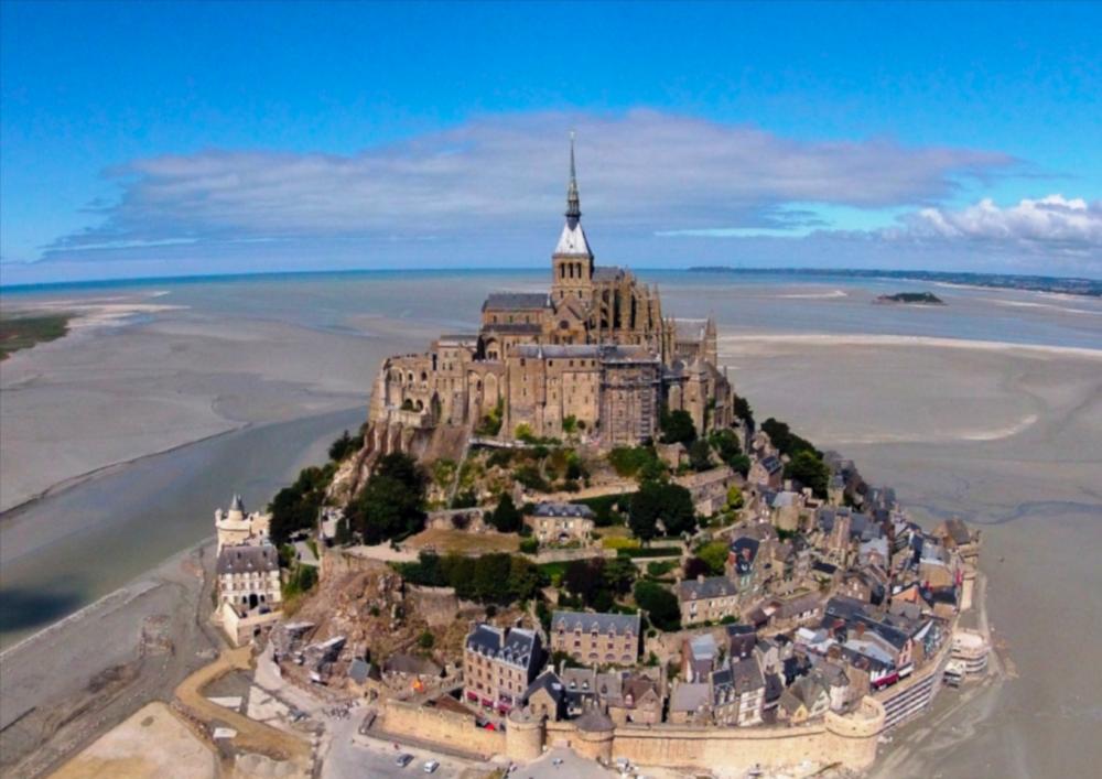 Mont Saint Michel (Wikicommons)
