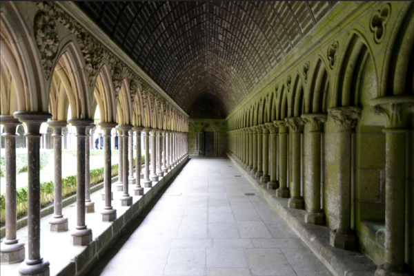 In the Cloister (Flickr,  Jorge Lascar )