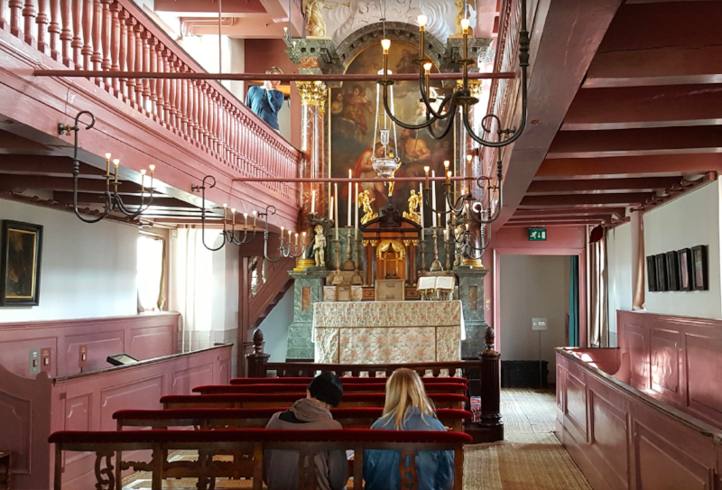 The Hart Chapel at the Canal House, Number 40, Oudezijds Voorburgwal, Amsterdam (All Photos from Elizabeth Wise)