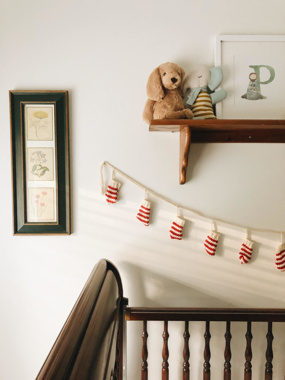 A Christmas garland for the nursery