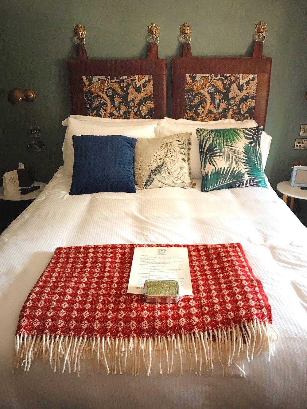 Where to stay in Lulworth, The Castle Inn, West Lulworth, Dorset