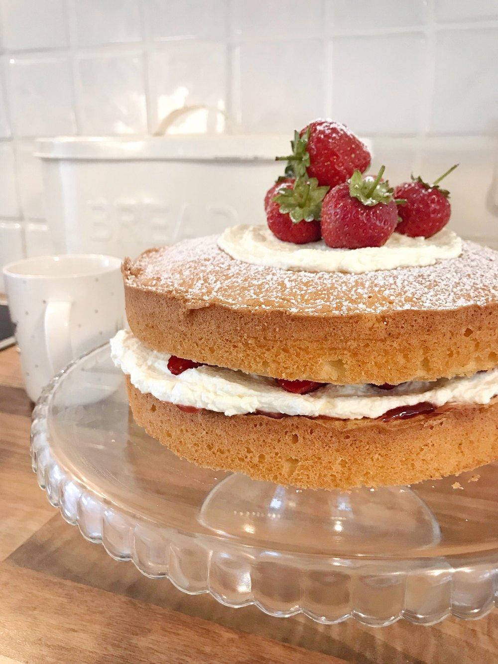 Vanilla Sponge with fresh cream and strawberries cake recipe.JPG