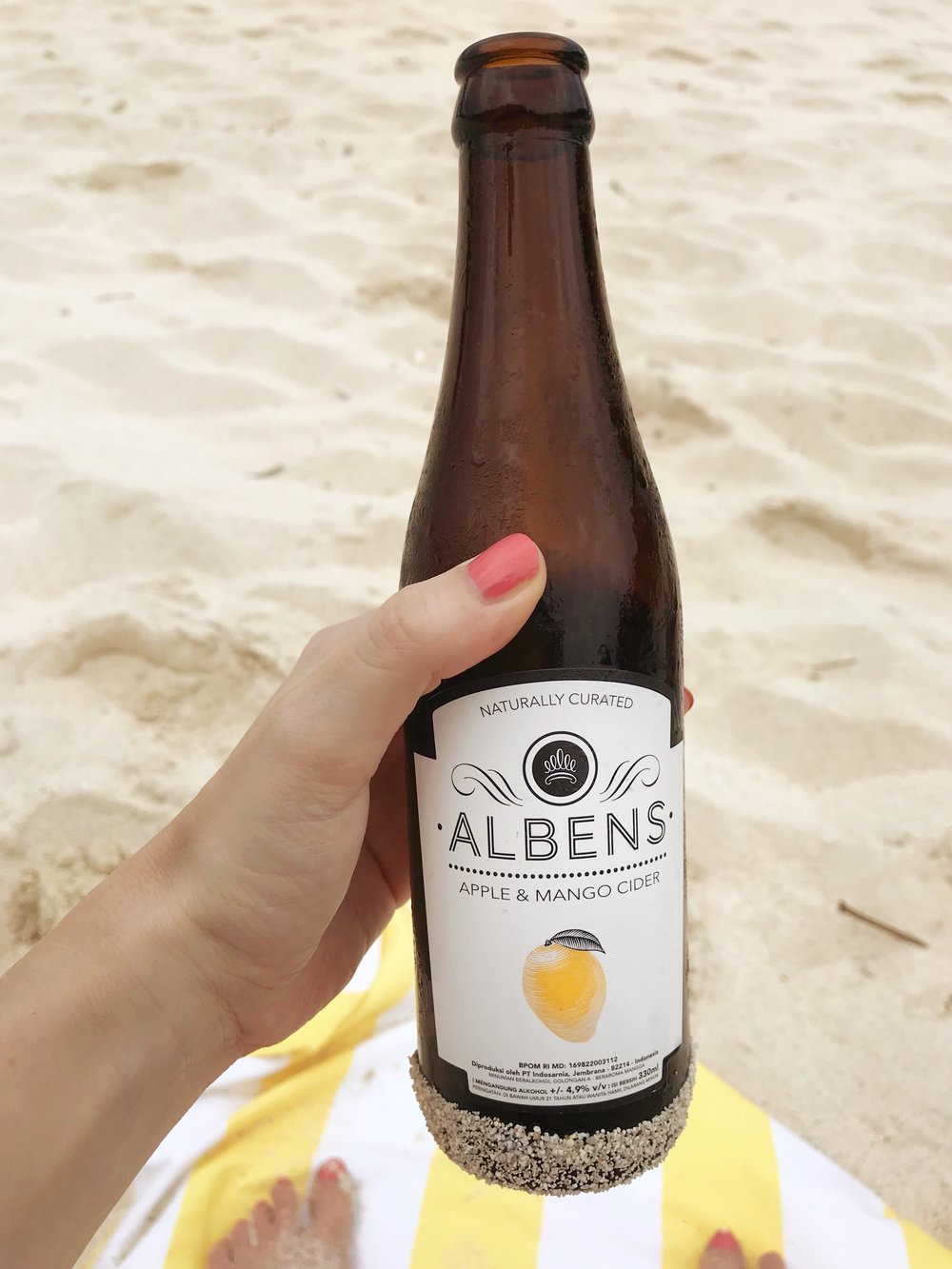 Albens Cider, Sandy bay Beach Club Nusa Lembonghan