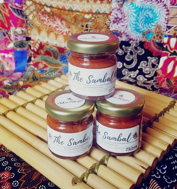 THE SAMBAL - The lovely Kat and Su, founders of Makan Malaysia, have been friends since childhood and decided to launch their business based on their joint love for cooking after they couldn't find the foods that they missed from home. Kat and Su both grew up in Malaysia, but now live here in the UK. Their mission is to share a little bit of the food and culture they love with us all via recipes, supper clubs and market events. You can also bring the taste of Malaysia into your home with their bespoke range of sauces and culinary treats.Packed full of heat and layered with flavours from home, The Sambal is the perfect accompaniment to any dish. From french fries to curry bases, The Sambal is ideal for adding a burst of flavour to your plate - and you only need a spoonful! Vegan friendly and nut free, a little goes a long way, but be warned it's not for the faint hearted as it is hot hot hot! Perfect for those foodies who love a fiery chilli flavour!