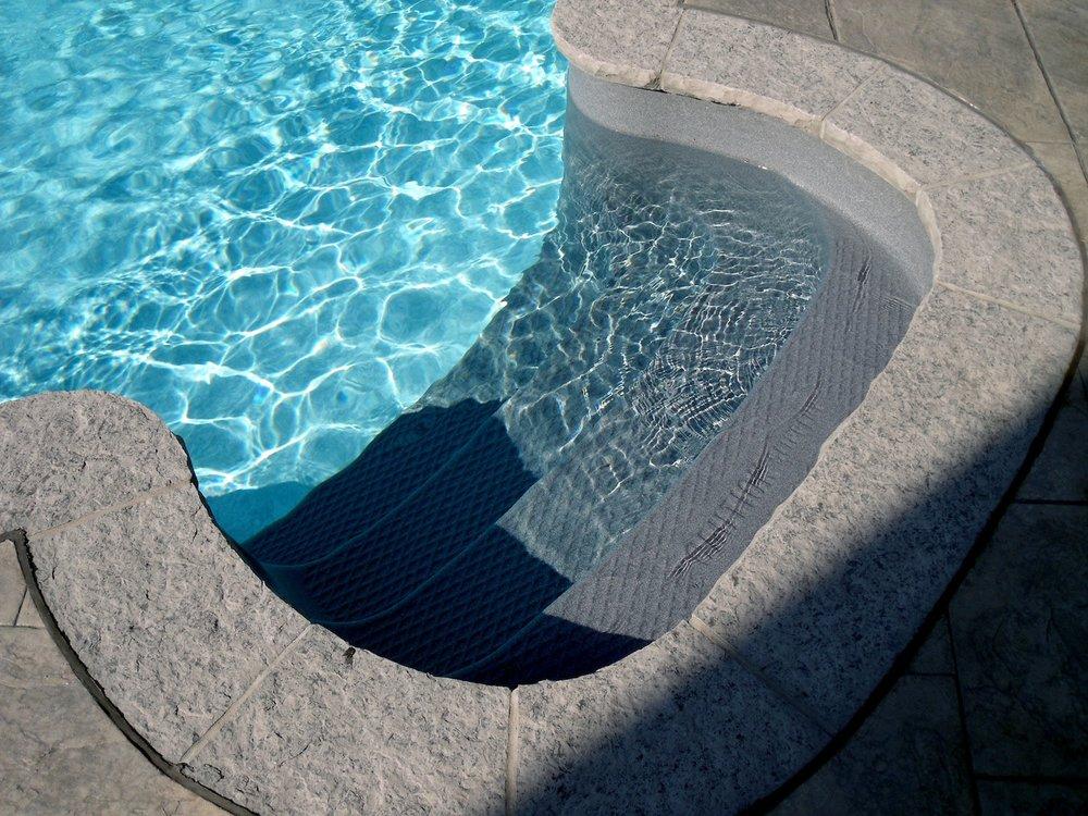 aveco-pools-100-min.JPG