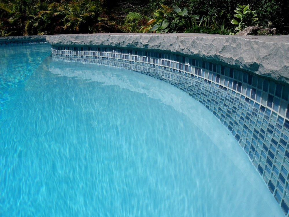 How to pick vinyl pool liners | Aveco Pools