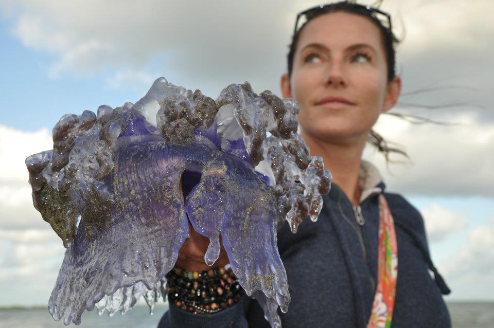 Kinga Philipps with a Jellyfish