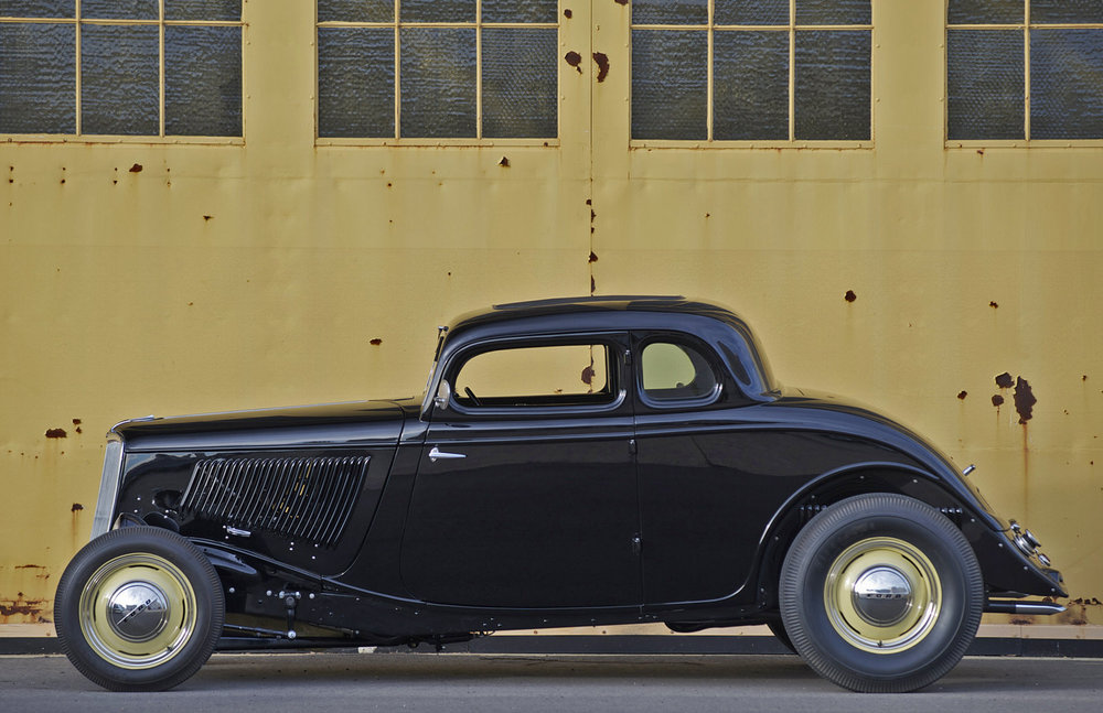 Bob Golden 1933 Ford 5-Window - Photo by Peter Vincent
